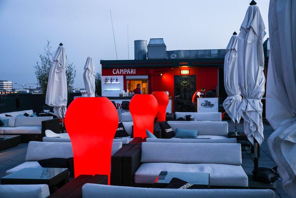 Ein abend in rot seit mitte april ist die campari lounge for Schicke hotels hamburg