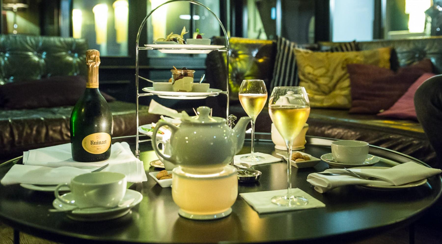 it is time please serve the afternoon tea george. Black Bedroom Furniture Sets. Home Design Ideas
