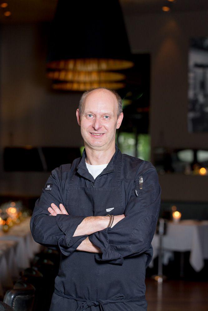 Holger Schweizer im restaurant dacaio frühling auf der karte