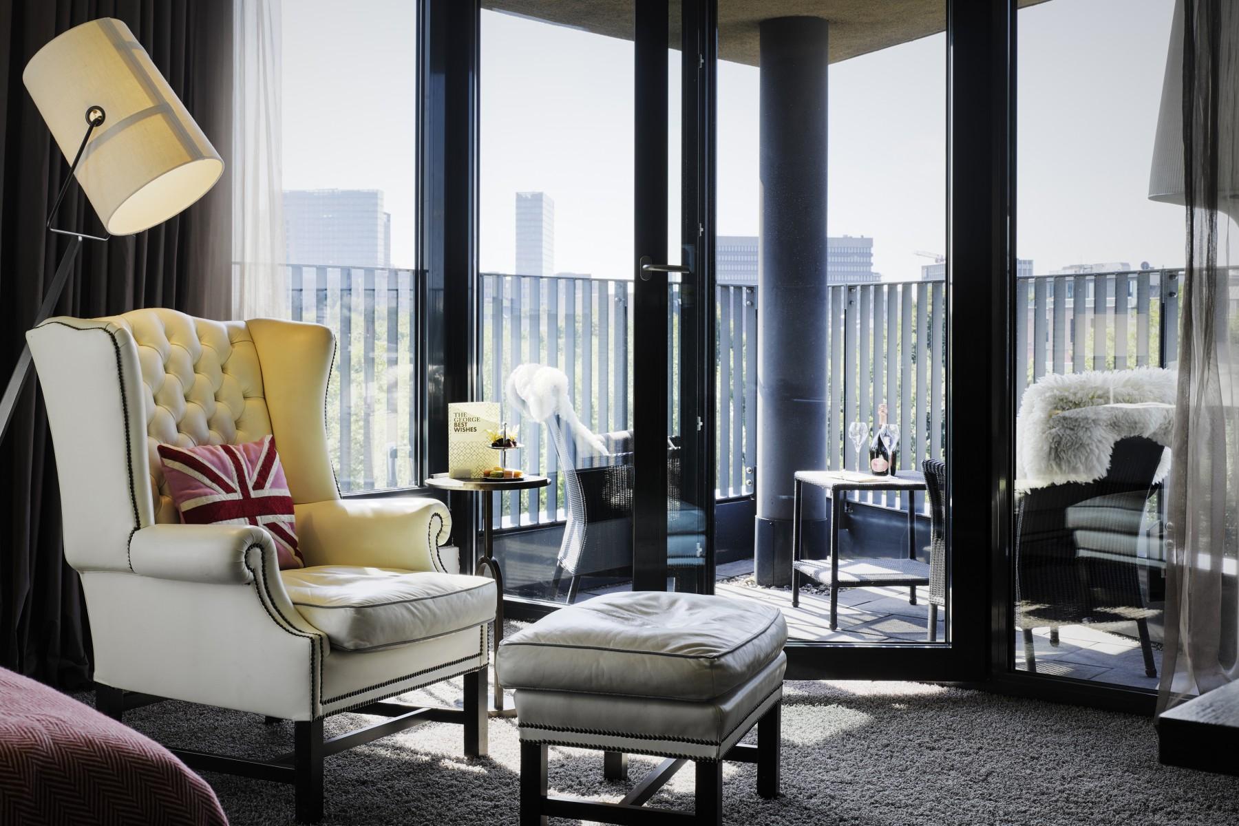 Design Hotel In Hamburg Junior Suite British Style